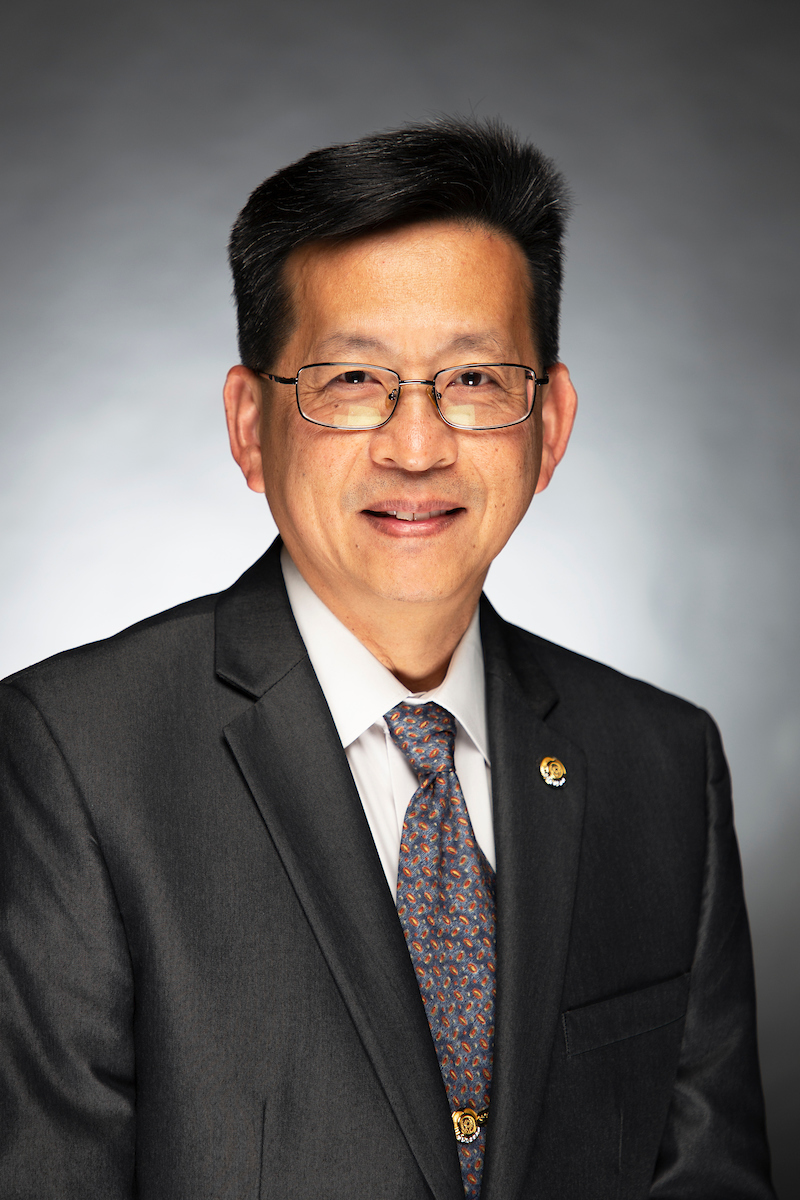 Portrait of Johnny S. Han, DDS